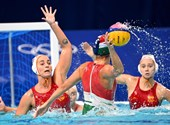 You can play for a bronze medal for the Hungarian women's water polo team in Tokyo