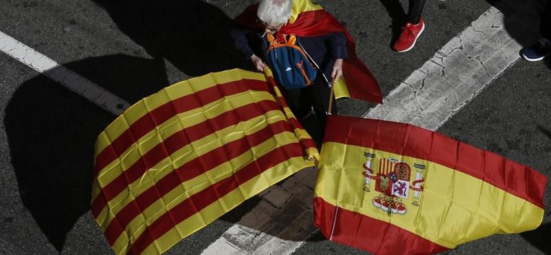 A spanyol kormány feloszlatja a katalán kormányt