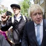 Boris Johnson jóshoz ment a választások miatt, de csúnyán beégett – videó