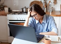 5 jel, amiből felismerhetjük a depressziós kollégát