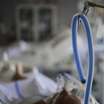 Uniós minősítés nélküli lélegeztetőgépeket is vett a kormány
