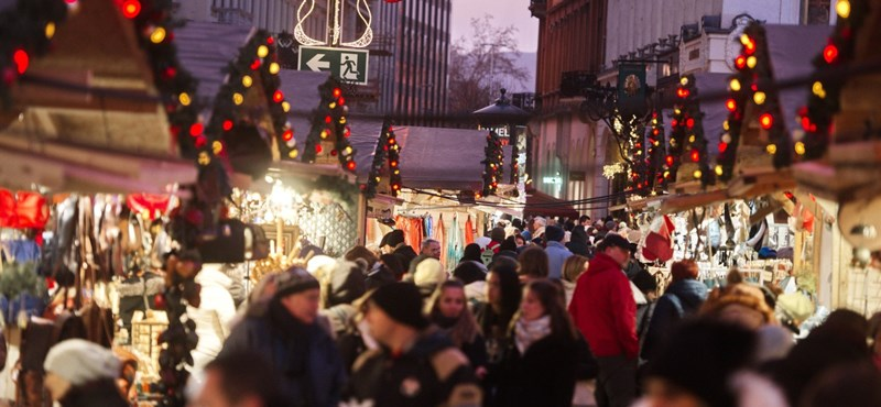 Karácsonyi vásár Bécsben és a budapesti Vörösmarty téren: melyik a drágább?