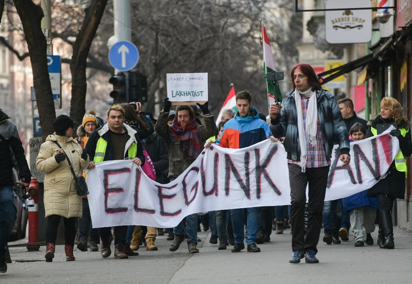 Blokád alá vonnák az országot - tüntetés percről percre
