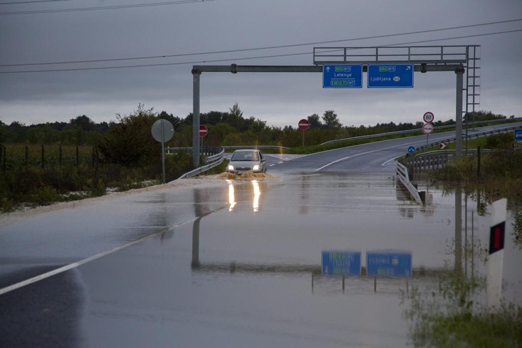 mti.14.09.14. - Tornyiszentmiklós - árvíz, esőzés, eső