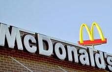 A McDonald's is észbe kapott: próbál megszabadulni a műanyagtól