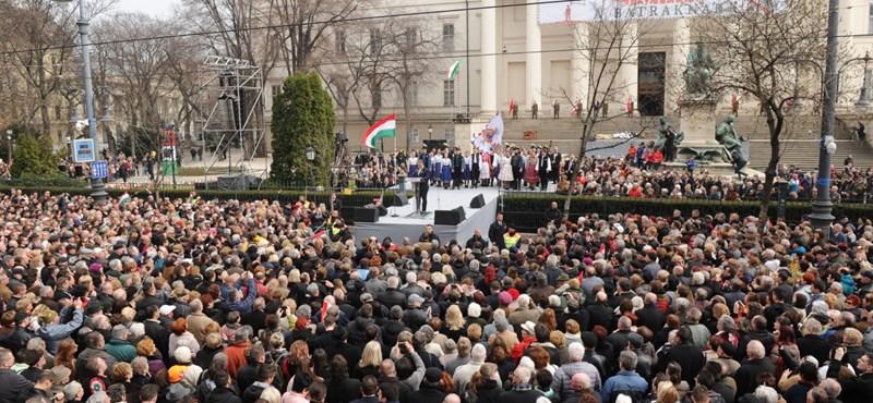 A Fidesz hallotta a fütyülést, de csak Soros Györgyöt látta