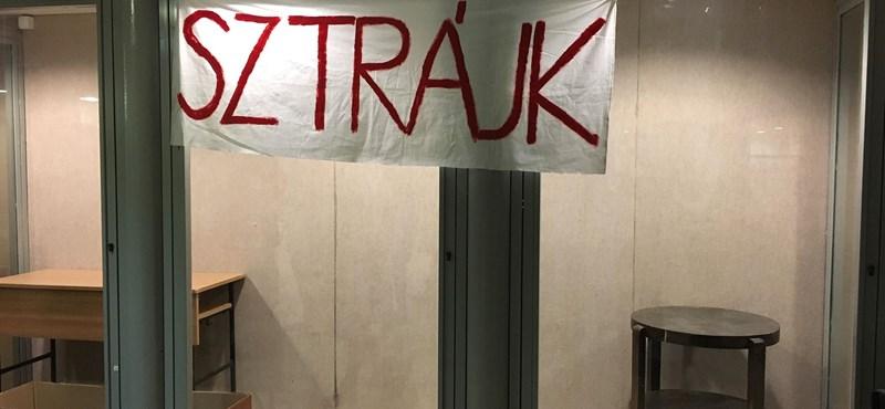 Világszerte tüntetnek a tanárok: követeléseik itthon is megállnák a helyüket