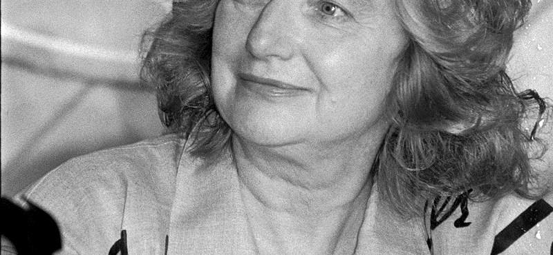 Meghalt a magyar írónő, aki Párizsban futott be