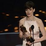 Kisfia született Anne Hathaway-nek