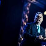 Kiderült, kivel fagyizott Orbán