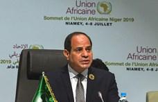 Az egyiptomi elnök három hónappal meghosszabbította a rendkívüli állapotot
