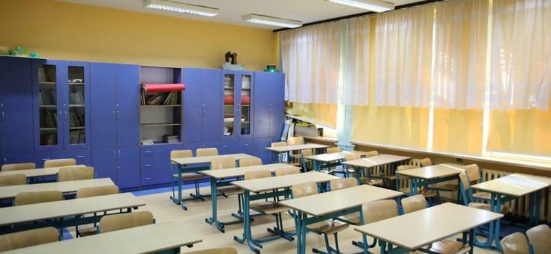 Montenegróban az érettségiző diákok mától visszaülhettek az iskolapadba