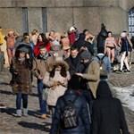 Panaszkodik a vacak tavaszra? Az oroszok már napoznak