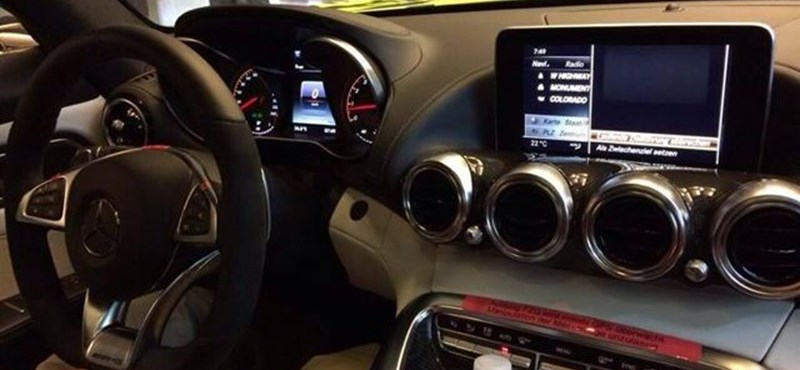 Ilyen lesz a Mercedes AMG GT belső tere – fotók