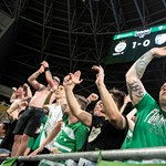 A zárt kaputól a közel húszezres kupadöntőig: így váltak járványügyi Petri-csészévé a stadionok Magyarországon