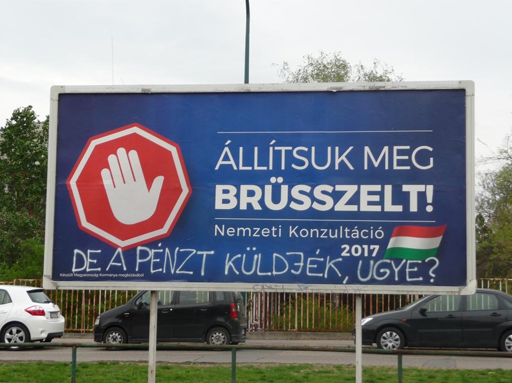 e_! - állítsuk meg brüsszelt átírt plakátok
