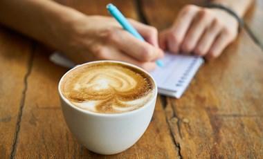 Pénz helyett ismét fizethettek verssel ezekben a kávézókban a költészet világnapján