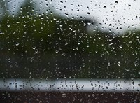 Záporeső, hózápor, viharos szél is jöhet hétfőn