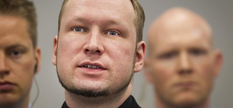 Breivik valakitől hajlandó volt bocsánatot kérni