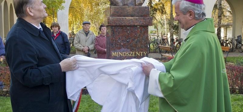 Mindszenty szobrot kapott Szentesen