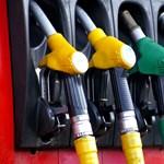 Kilenc forinttal csökkent a benzin ára