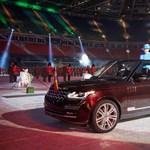 Új dízel hibrid Land Rovert kapott II. Erzsébet
