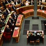 Magyar politikusok diploma nélkül: van, aki 28 éve fejezte be az egyetemet