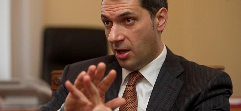 """Lázár: """"a Fidesznek nem érdeke, hogy bármi is titokban maradjon"""""""