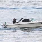 És azt a viccet ismeri, hogy George Clooney és Barack Obama ül egy motorcsónakban?