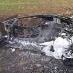 Füstölgő vaskupac lett egy Lamborghini Aventadorból - fotók