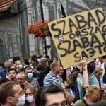 14 oldalon keresztül sorolja a magyar médiahelyzettel kapcsolatos aggályait az Európa Tanács