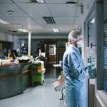 Iskolában és idősotthonban terjed a koronavírus-mutáció Franciaországban