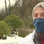 Egy 90 éves nő négy kilométert gyalogolt a 30 centiméteres hóban, hogy megkapja a vakcinát