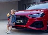 Egy banánevő kislány miatt kellett bocsánatot kérnie az Audinak