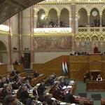 A Jobbik cigányozott, a Fidesz sorosgyörgyözött a parlamentben