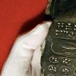 Megvan a 800 éves mobiltelefon titka