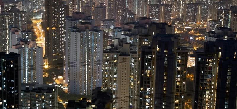 Nő került Hongkong élére