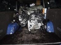 Lopott Range Rover és Mercedes alkatrészekkel volt kibélelve egy furgon Kiszombornál