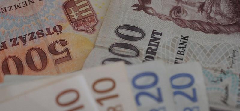 Öthavi mélyponton a forint, 364 forintba is került egy euró