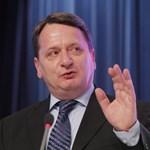Kovács Béla egy habonyinggal bizonyítja, hogy nem Abháziában van