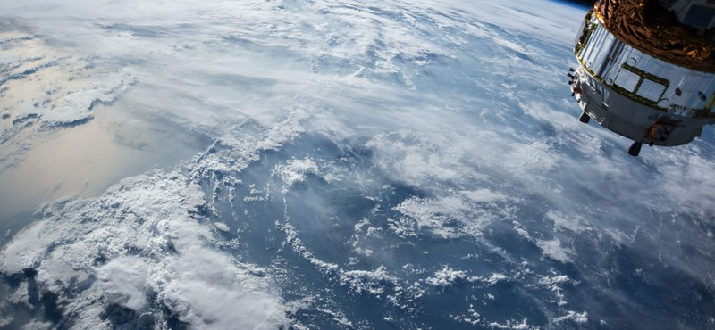 Amíg ön aludt, egy jókora űrhajó szénné égett a légkörben – fotó