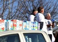 Az olcsó tej ellen tüntettek a Pennynél