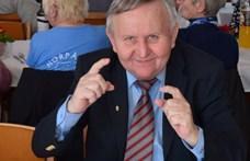 Felfüggesztették Nagyoroszi polgármesterét, mert nem vette ki a szabadságát