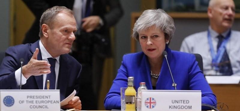Az EU elnöke hosszú időre elhalasztaná a Brexitet