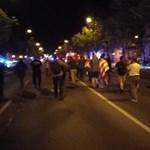 A liget felé vonulnak a tüntetők
