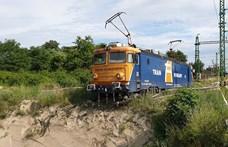 Nem hagyott időt a MÁV az átszállásra, a határon ragadtak az utasok
