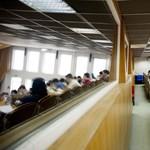 """Jön a """"feketeleves"""" szeptembertől: ez lesz Európa legszigorúbb hallgatói szerződése"""