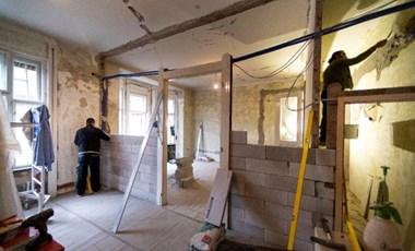 Ezermilliárdokat dobtunk ki 5 év alatt az ablakon a rossz lakásfelújításokkal