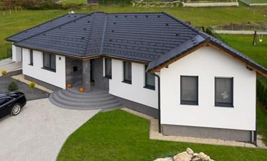 Napelemes tetőcserepet fognak gyártani Magyarországon