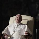 Ajándékot is vitt a fideszes államtitkár Ferenc pápának